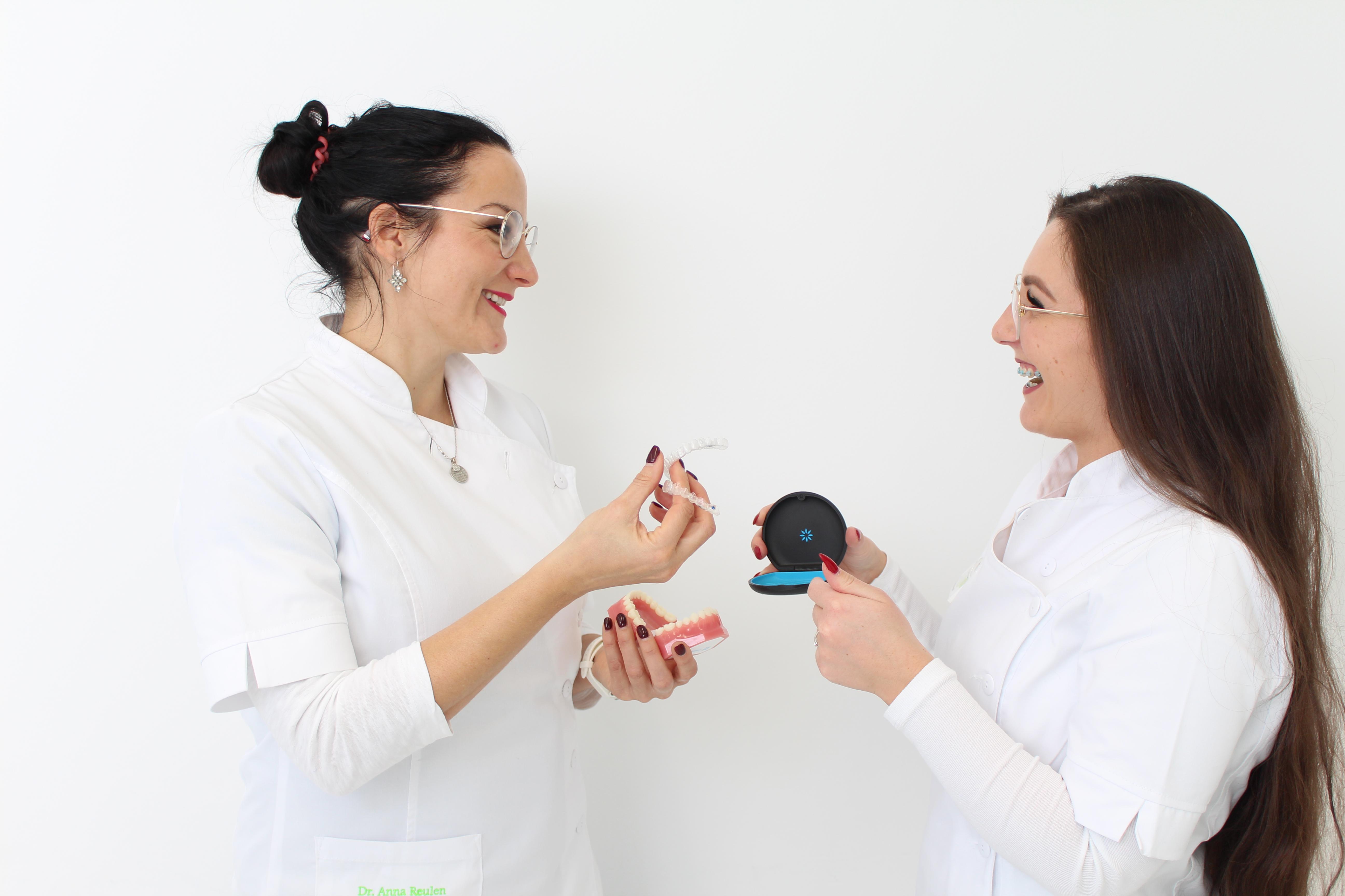 Invisalgin Transparente Zahnschiene Zahnarztpraxis Dres. Reulen Blaubeuren